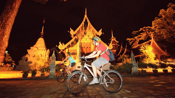 Chiang Mai - Night Bike Spice - Front of Temple